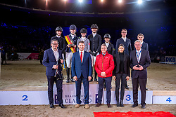 OSTERMANN Henrike (GER), BYTOMSKI Laura (GER), JUETTNER Luzie (GER)<br /> TEEUWEN Peter (Bundesnachwuchstrainer Springen Junioren und Junge Reiter), SLOOTHAAK Franke (Sportchef), ONIGKEIT Nelly (Veranstalterteam), GEILFUS Joachim (Richter Springen)<br /> Siegerehrung<br /> Finale HGW-Bundesnachwuchschampionat der Springreiter <br /> gefördert durch die Horst-Gebers-Stiftung <br /> In Memoriam Debby Winkler<br /> Stilspringen Kl. M*<br /> Nat. style jumping competition Kl. M*<br /> Braunschweig - Classico 2020<br /> 08. März 2020<br /> © www.sportfotos-lafrentz.de/Stefan Lafrentz