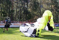 07.09.2014, Landeplatz, Leisach, AUT, Red Bull Dolomitenmann 2014, Paragleitbewerb, im Bild Paragleiter Paul Guschlbauer (AUT, Red Bull) // during the paragliding of the 2014 Red Bull Dolomitenmann at the landing zone in Leisach, Austria on 2014/09/06, EXPA Pictures © 2014, PhotoCredit: EXPA/ Johann Groder