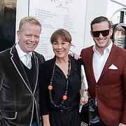 NLD/Naarden/20120422 - Inloop gasten verjaardagsfeest Monique des Bouvrie, John Lukken, .. en Morris Nieuwenhuis