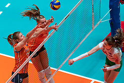 29-05-2019 NED: Volleyball Nations League Netherlands - Bulgaria, Apeldoorn<br /> Eline Timmerman #31 of Netherlands, Nicole Oude Luttikhuis #17 of Netherlands