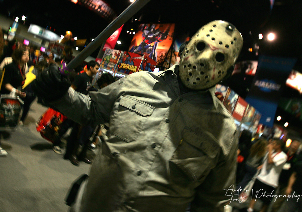 Andrew Foulk/ Zuma Press.July 24, 2009, San Diego, California, USA. Comic Con. A Comic Con attendee dressed as  Jason Voorhees, walk the floor of the San Diego convention center, during day two of the 40th annual San Diego International Comic Con.