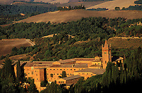 Italie - Toscane - Province de Sienne - Abbaye de Monte Oliveto Maggiore. // Italy. Tuscany. Sienna province. Monte Oliveto Maggiore abbey.