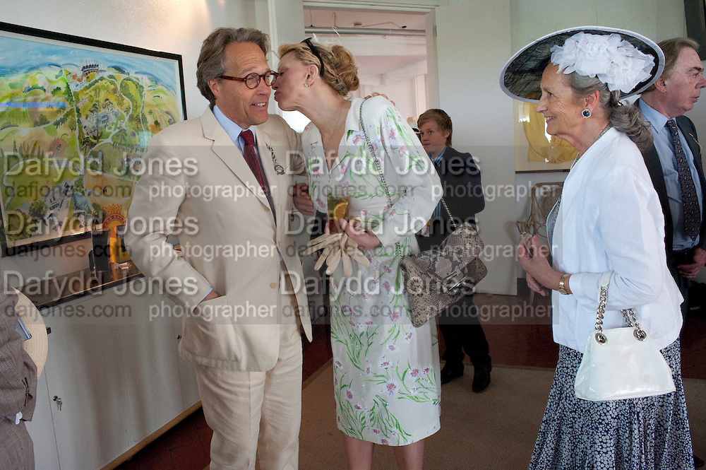 EARL OF MARCH; COURTNEY LOVE; DUCHESS OF RICHMOND IN THE DUKE OF RICHMOND BOX, Glorious Goodwood. Ladies Day. 28 July 2011. <br /> <br />  , -DO NOT ARCHIVE-© Copyright Photograph by Dafydd Jones. 248 Clapham Rd. London SW9 0PZ. Tel 0207 820 0771. www.dafjones.com.