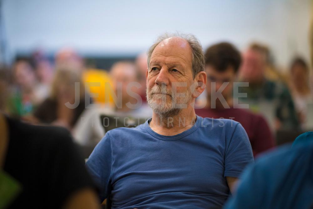 DEU, Deutschland, Germany, Berlin, 21.04.2018: Michael Cramer (MdEP, Die Grünen) bei der Landesdelegiertenkonferenz von Bündnis 90/Die Grünen in Berlin-Adlershof.