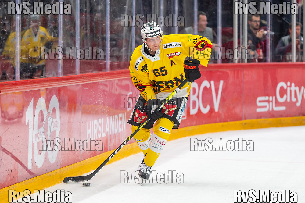 LAUSANNE, SWITZERLAND - SEPTEMBER 28: Ramon Untersander #65 of SC Bern in action during the Swiss National League game between Lausanne HC and SC Bern at Vaudoise Arena on September 28, 2021 in Lausanne, Switzerland. (Photo by Monika Majer/RvS.Media)
