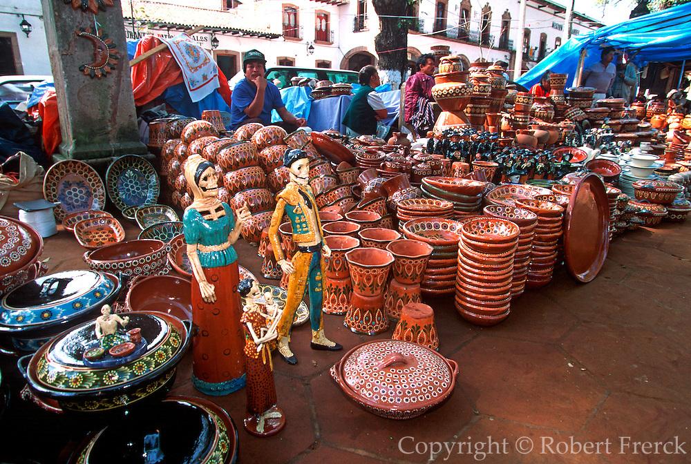 MEXICO, FESTIVALS, MARKETS Patzcuaro, Day of the Dead devil pottery