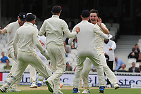 Cricket - 2017 South Africa Tour of England - Third Test, Day Five<br /> <br /> Toby Roland - Jones of England claims his second wicket ( of Vernon Philander ) with two in two balls during the morning session, at The Oval.<br /> <br /> COLORSPORT/ANDREW COWIE