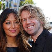 NLD/Utrecht/20100903 - Premiere Queen musical We Will Rock You, Martin van der Starre en zwangere partner Deborah