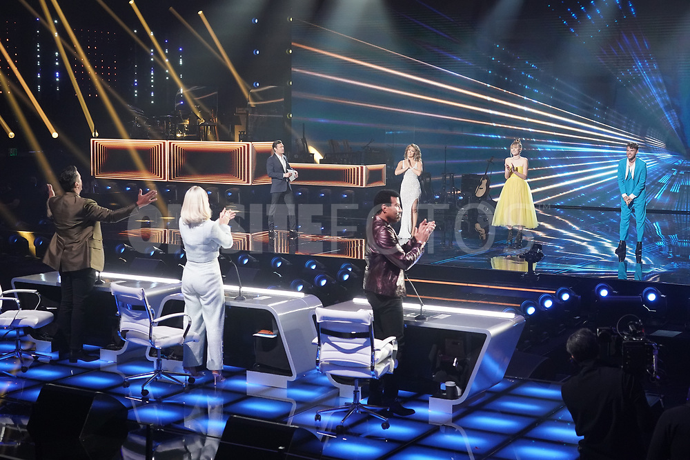 """AMERICAN IDOL – """"414 (Oscar Nominated Songs)"""" – The top 12 contestants perform Oscar®-nominated songs in hopes of securing America's vote into the top nine on an all-new episode of """"American Idol,"""" airing live coast-to-coast on SUNDAY, APRIL 18 (8:00-10:00 p.m. EDT), on ABC. (ABC/Eric McCandless)<br /> AMERICAN IDOL"""