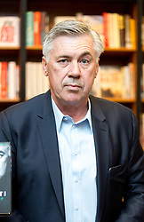 © Licensed to London News Pictures. 25/05/2016. London, UK. Football manager Carlo Ancelotti signs copies of his new book 'Quiet Leadership' at Waterstone's, King's Road, Chelsea. Ancelotti is currently contracted to Bayern Munich, where he will start in the summer of 2016. Photo credit : Tom Nicholson/LNP