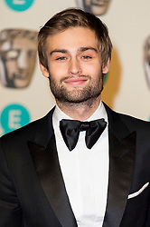 © Licensed to London News Pictures. 14/02/2016. London, UK. DOUGLAS BOOTH arrives on the red carpet for the EE British Academy Film Awards 2016 after party held at Grosvenor House . London, UK. Photo credit: Ray Tang/LNPPhoto credit: Ray Tang/LNP