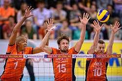 31-05-2015 NED: CEV EK Kwalificatie Nederland - Spanje, Doetinchem<br /> Nederland wint met 3-1 van Spanje en plaatst zich voor het EK in Bulgarije en Italie / Nimir Abdelaziz #1, Thomas Koelewijn #15, Jeroen Rauwerdink #10