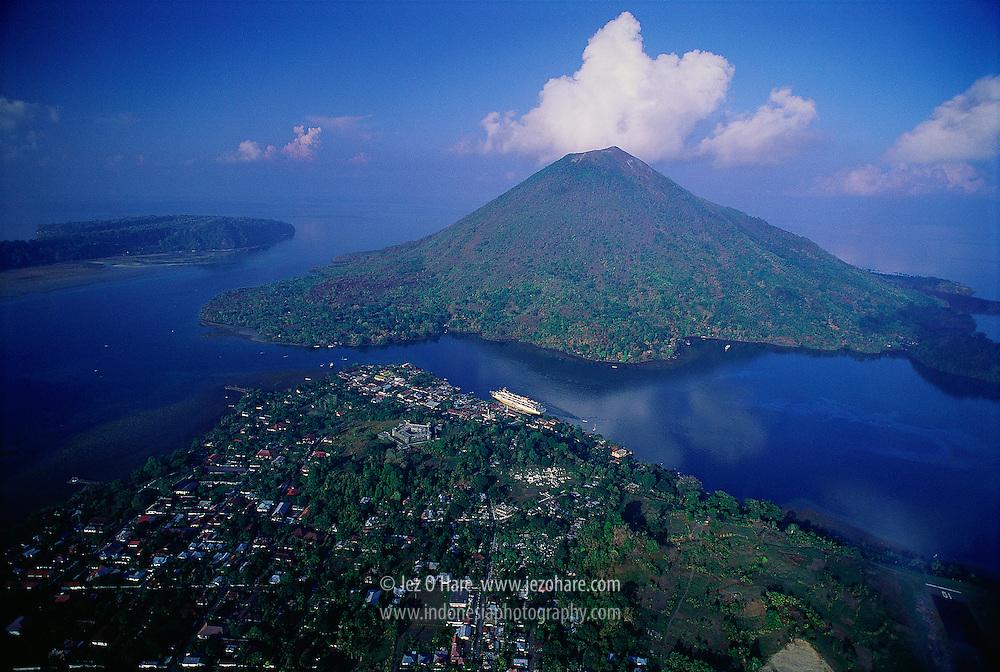 Fort Belgica, Banda Neira Town & Mount Api, Banda Islands, Maluku, Indonesia.