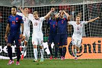 PRAAG , Stadion Generali Arena, voetbal , 09-09-2014 , EK kwalificatiewedstrijd Tsjechie - Nederland  2-1. Nederland geeft de wedstrijd vlak voor tijd weg door een blunder van Darryl Janmaat
