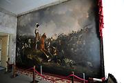 De succesvolle expositie 'Beeld van Beatrix' is vanaf 12 juli 2013 te zien bij Paleis Soestdijk. De 68 bijzondere werken waren voorheen bij Paleis Het Loo tentoongesteld ter gelegenheid van de 75ste verjaardag van koningin Beatrix<br /> <br /> The successful exhibition 'Image of Beatrix' is from July 12, 2013 on display at the Royal Palace Soestdijk The 68 special works were previously exhibited at  Palace Het Loo on the occasion of the 75th birthday of Queen Beatrix<br /> <br /> Op de foto / On the photo:  Waterlookamer