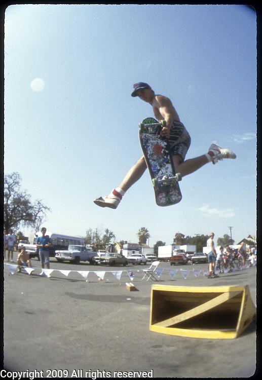 Skateboarding session in Visalia, California in October 1987.
