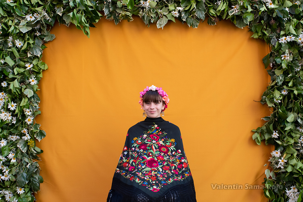 Madrid, Spain. 5th May, 2019. Portrait of the 'Maya' Ines wearing a tiara made of flowers and a Manilla shawl.