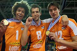01-07-2012 VOLLEYBAL: EUROPEAN LEAGUE PRIJSUITREIKING: ANKARA<br /> Nederland wint de European League 2012 / Nimir Abdelaziz (#1 NED), Bas van Bemmelen (#8 NED), Wytze Kooistra (#12 NED)<br /> ©2012-FotoHoogendoorn.nl/Conny Kurth