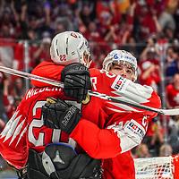 21.05.2019; Bratislava; Eishockey Weltmeisterschaft 2019 - Tschechien - Schweiz; Nino Niederreiter (SUI) Kevin Fiala (SUI) jubelt nach dem Tor zum 4:4 (Andy Mueller/freshfocus)