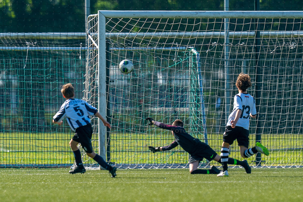 01-06-2019 NED: Strijd om de Vechtcup, Maarssen<br /> Voetbaltoernooi vv Maarssen O13 en O15 / Dean