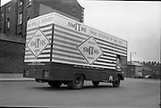 03/06/1964<br /> 06/03/1964<br /> 03 June 1964<br /> Smiths Crisps Morris van  on Montpelier Hill near the Phoenix Park, Dublin.