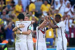 04.07.2014, Maracana, Rio de Janeiro, BRA, FIFA WM, Frankreich vs Deutschland, Viertelfinale, im Bild Khedira, Lahm, Bastian Schweinstiger and Boateng celebrates Germany victory 1-0, to France during the quarters final // during quarterfinals between France and Germany of the FIFA Worldcup Brazil 2014 at the Maracana in Rio de Janeiro, Brazil on 2014/07/04. EXPA Pictures © 2014, PhotoCredit: EXPA/ Eibner-Pressefoto/ Cezaro<br /> <br /> *****ATTENTION - OUT of GER*****
