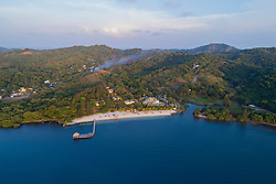 Luftaufnahme von Turquoise Bay, Roatan, Honduras, Karibik, Karibisches Meer / Aerial View of Turquoise Bay, Roatan, Honduras, Caribbean Sea