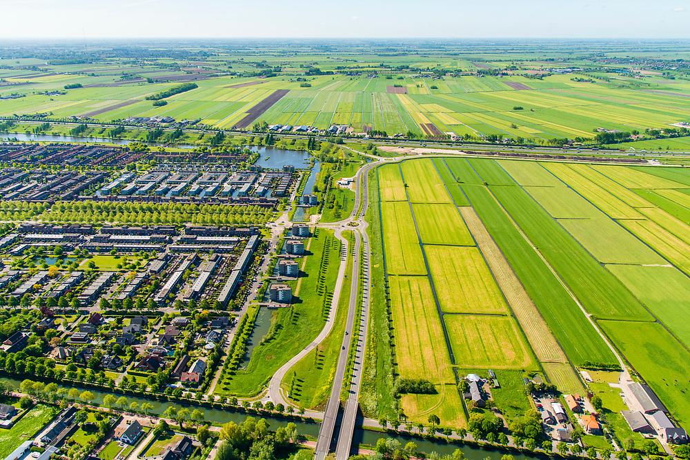 Nederland, Utrecht, Leidsche Rijn, 13-05-2019; stadsdeel Leidsche Rijn met subwijk Veldhuizen, op de grens met de weilanden van de Harmelerwaard.<br /> The new residential area Leidsche Rijn, bordering the country site.<br /> <br /> luchtfoto (toeslag op standard tarieven);<br /> aerial photo (additional fee required);<br /> copyright foto/photo Siebe Swart