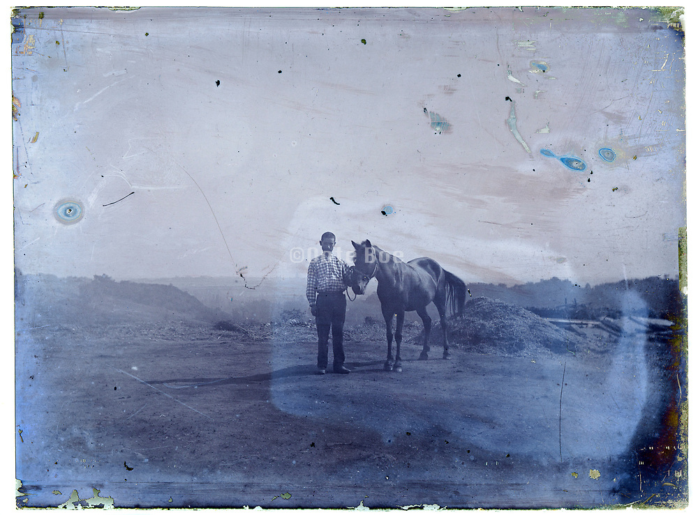 farmer posing with horse 1900s France