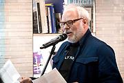 Opening Holland Boulevard op Schiphol waar reizigers kennis kunnen maken met Cultuur, boeken en Techniek ui Nederland.<br /> <br /> op de foto:  Nico Dijkshoorn heeft vandaag met een speciaal gedicht de geheel vernieuwde Airport Library op Schiphol geopend.