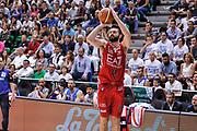 DESCRIZIONE : Campionato 2014/15 Dinamo Banco di Sardegna Sassari - Olimpia EA7 Emporio Armani Milano Playoff Semifinale Gara3<br /> GIOCATORE : Linas Kleiza<br /> CATEGORIA : Tiro Tre Punti Three Point<br /> SQUADRA : Olimpia EA7 Emporio Armani Milano<br /> EVENTO : LegaBasket Serie A Beko 2014/2015 Playoff Semifinale Gara3<br /> GARA : Dinamo Banco di Sardegna Sassari - Olimpia EA7 Emporio Armani Milano Gara4<br /> DATA : 02/06/2015<br /> SPORT : Pallacanestro <br /> AUTORE : Agenzia Ciamillo-Castoria/L.Canu