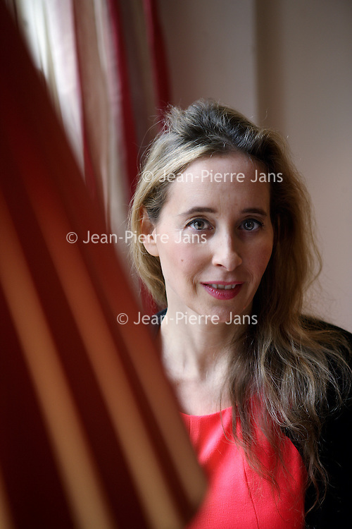 Nederland, Amsterdam , 5 november 2013. Noreena Hertz (Londen, 24 september 1967) is een Brits econoom en activiste. Ze is hoogleraar en auteur van verschillende kritische boeken over globalisering. <br /> Noreena Hertz is a British economist and activist. She is a professor and author of several critical books on globalization.