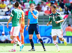 29.06.2014, Castelao, Fortaleza, BRA, FIFA WM, Niederlande vs Mexico, Achtelfinale, im Bild Oribe Peralta (Mexiko), Referee Pedro Proenca und Giovani Dos Santos (Mexiko) // during last sixteen match between Netherlands and Mexico of the FIFA Worldcup Brazil 2014 at the Castelao in Fortaleza, Brazil on 2014/06/29. EXPA Pictures © 2014, PhotoCredit: EXPA/ fotogloria/ Best Photo Agency<br /> <br /> *****ATTENTION - for AUT, FRA, POL, SLO, CRO, SRB, BIH, MAZ only*****