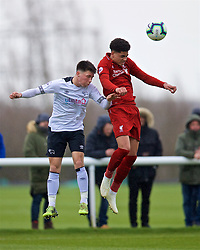 DERBY, ENGLAND - Friday, March 8, 2019: Liverpool's Ki-Jana Hoever and Derby County's Joe Bateman during the FA Premier League 2 Division 1 match between Derby County FC Under-23's and Liverpool FC Under-23's at the Derby County FC Training Centre. (Pic by David Rawcliffe/Propaganda)