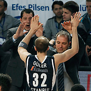 Efes Pilsen's Sinan GULER celebrate victory during their Turkish Airlines Euroleague Basketball Top 16 Group G Game 1 match Efes Pilsen between Montepaschi Siena at Sinan Erdem Arena in Istanbul, Turkey, Wednesday, January 19, 2011. Photo by TURKPIX
