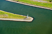 Nederland, Gelderland, Gemeente Arnhem, 30-09-2015; IJsselkop, splitsing van het Pannerdensch Kanaal (uitloper van de Rijn) in Neder-Rijn en IJssel. Met wegwijzer. Division of river Rhine in Lower Rhine and IJssel.<br /> <br /> luchtfoto (toeslag op standard tarieven);<br /> aerial photo (additional fee required);<br /> copyright foto/photo Siebe Swart
