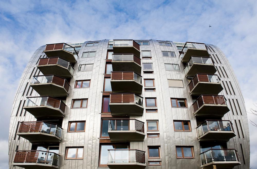 Nederland, 's Hertogenbosch, 14 maart  2010.Moderne woonflat, appartementencomplex,  met balkons.Moderne architectuur en materiaalgebruik.Foto Michiel Wijnbergh