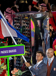 05-08-2016 BRA: Olympic Games day -1, Rio de Janeiro<br /> Openingsceremonie van de Olympische Spelen in Rio / dans, vuurwerk, muziek, show en een boodschap aan de wereld / Springruiter Jeroen Dubbeldam draagt de Nederlandse vlag tijdens de openingsceremonie van de Olympische Spelen van Rio in het Maracana stadion