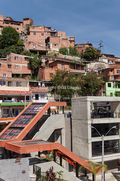 Colombie, Antioquia, Medellin, escaliers mécanique  de la Comuna 13 // Colombia, Antioquia, Medellin, Comuna 13, mecanic stairs