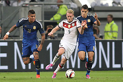 03.09.2014, Esprit-Arena, Duesseldorf, GER, FS Vorbereitung, Fussball Testspiel, Deutschland vs Argentinien, im Bild Andre Schuerrle (FC Chelsea) im Zweikampf gegen Erik Lamela (Tottenham Hotspurs) // during a international football frindly match between Germany and Argentina in preparation for the upcoming EURO 2016 qualifying matches at the Esprit-Arena in Duesseldorf, Germany on 2014/09/03. EXPA Pictures © 2014, PhotoCredit: EXPA/ Eibner-Pressefoto/ Schueler<br /> <br /> *****ATTENTION - OUT of GER*****