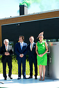 """Koningin Maxima opent """"groene"""" fabriek van Unipro in Haaksbergen. Unipro is producent en leverancier van vloersystemen.Met de bouw van de nieuwe fabriek zijn duurzaamheid en moderne productiemethoden gecombineerd.<br /> <br /> Queen Maxima opens """"green"""" factory Unipro Haaksbergen. Unipro is a producer and supplier of vloersystemen.Met the construction of the new plant, sustainability and modern production methods combined.<br /> <br /> Op de foto / On the photo:  (VLNR) CEO Uzin Utz Gruppe Werner Utz, directeur Frank ter Beke ,  directeur Gerben Bouwmeester en Koningin Maxima <br /> <br /> (LEFT) CEO Uzin Utz Gruppe Werner Utz, director Frank ter Beke, director Gerben Bouwmeester and Queen Maxima"""