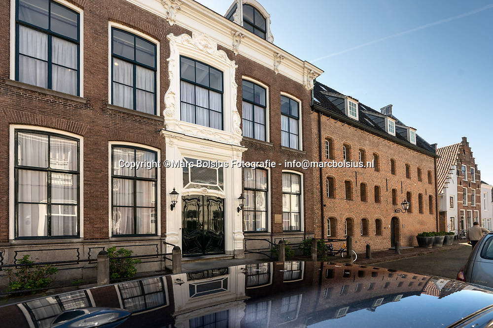 Nederland,  Zaltbommel, de Ruiterstraat van oud huisarts Paul van Dijk