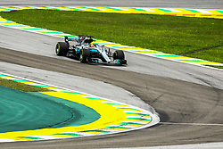 November 11, 2017 - Brazil - SAO PAULO, SP - 11.11.2017: QUALIFYING PARA GP F1 - In the picture the driver, Lewis Hamilton, team MERCEDES-BENZ, during free practice in the morning this part. Classifying training day on Saturday (11), for the Brazilian Formula 1 Grand Prix, which will take place on Sunday (12) at the Jose Carlos Pace racetrack in Interlagos. (Credit Image: © Fotoarena via ZUMA Press)