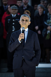 © Licensed to London News Pictures. 23/03/2017. London, UK. Mayor of London Sadiq Khan speaks to thousands of people at a vigil in Trafalgar Square for the victims of the Westminster terrorist attack, which took place on 22 March 2017. Photo credit: Rob Pinney/LNP