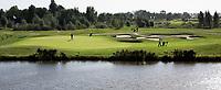 AMSTELVEEN - Golfcentrum Amsteldijk. Hole 7 met KPMG kantoor op de achtergrond. COPYRIGHT KOEN SUYK