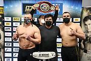 BOXEN: ECB Boxgala, Waage, Hamburg, 12.03.2021<br /> WBO-Europameisterschaft, Schwergewicht (v.l.): Jacek Piatek (POL), Promoter Erol Ceylan (ECB) und Ali Eren Demirezen (TUR / GER)<br /> © Torsten Helmke