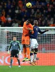 19-11-2013 VOETBAL: NEDERLAND - COLOMBIA: AMSTERDAM<br /> Nederland speelt met 0-0 gelijk tegen Colombia / Leroy Fer, Christian Zapata <br /> ©2013-FotoHoogendoorn.nl