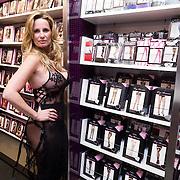 """NLD/Amsterdam/20131219 - Claudia Schoemacher - van Zweden verkoopt haar boek :Kamer 303"""" in lingerie bij Christine le Duc,"""