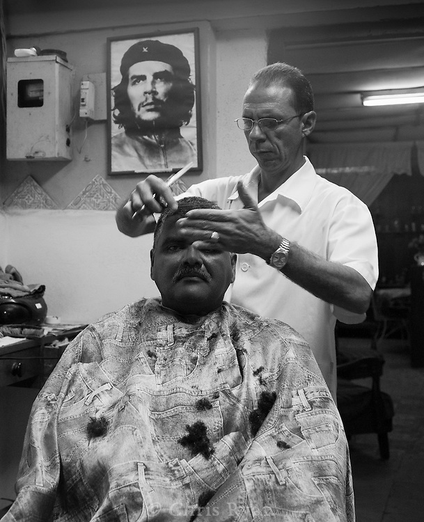 Barbershop and Che Guevara, Havana Vieja, Cuba