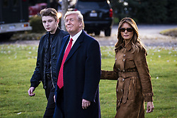 President Donald Trump, First Lady Melania Trump and their son, Barron, walk to board Marine One on the South Lawn of the White House on Nov. 26, 2019 in Washington, D.C. President Trump, First Lady Melania Trump and their son Barron are traveling to Florida for the Thanksgiving holiday. Photo by Pete Marovich/ABACAPRESS.COM  Knauss Melania Trump Melania Knauss Melania Trump Melania Trump Donald Trump Donald Petit-copain Petit-amie Petit-ami Petit amie Petit ami Fiancee Fiance Ehemann Husband Wife Ehefrau Epoux Epouse Femme Mari Amoureux Compagne Compagnon Companion Couple Couple Girlfriend  | 710720_005 Washington